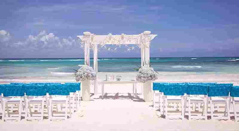 http://www.weddingcelebrantssydney.com.au/wp-content/uploads/2015/09/home_beachwedding.jpg